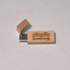 Drewniany pendrive z grawerem USB 3.0